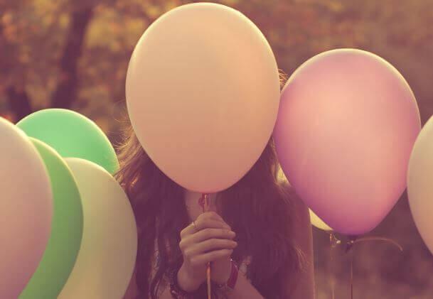 En ballong av känslor i en värld av nålar