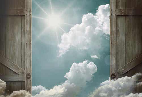 Om möjligheter inte knackar på, bygg en dörr