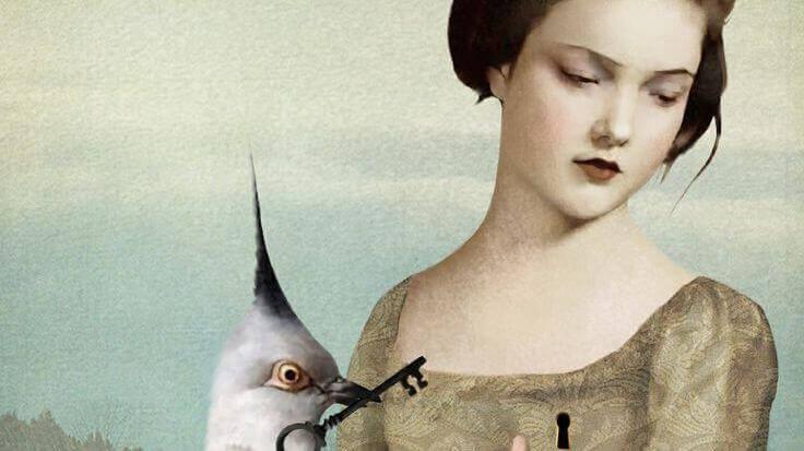 Kvinna och fågel med nyckel