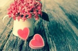 Blommor och hjärtan