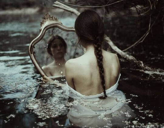 Spegel-i-vattnet