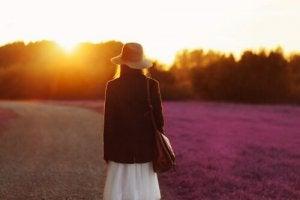 Kvinna på väg