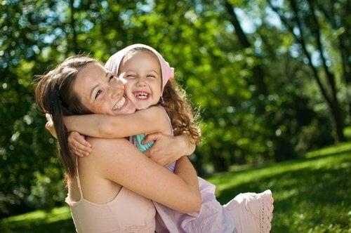 Hur du stärker ditt barns självkänsla
