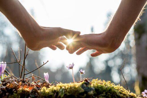 5 råd för ökad känslomässig intimitet i förhållanden