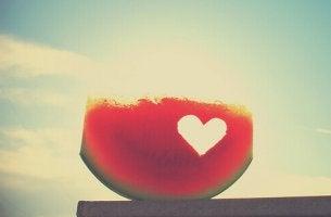Melonskiva med hjärta