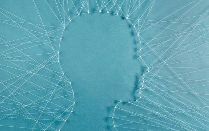 Huvud med trådar