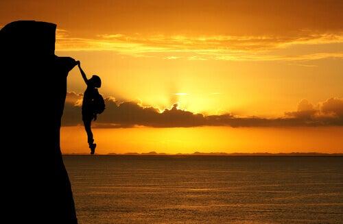 Klättring i solnedgång