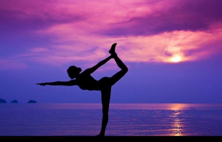Vill du få bättre hälsa? Prova yoga!