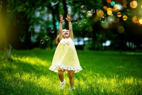 8 sätt att släppa ut ditt inre barn & bli gladare