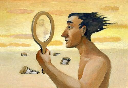 Ser sig i spegeln