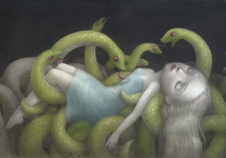 Ormar med flicka
