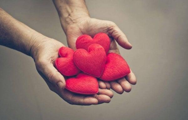 Hjärtan i händer