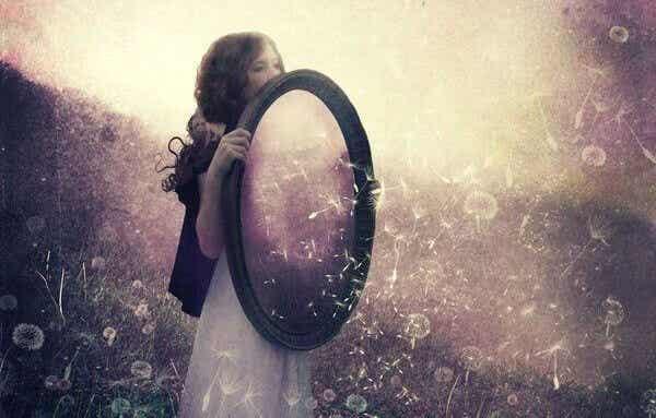 Relationer är speglarna vi ser oss själva i