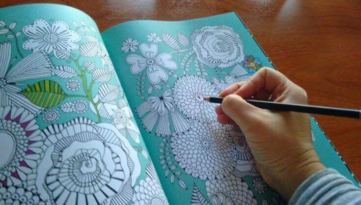 Att rita av sig stressen, ett nytt sätt att slappna av