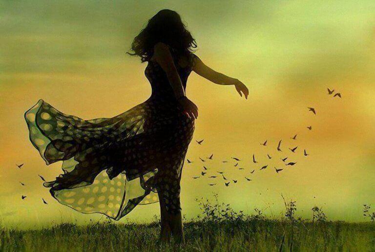 Dansande kvinna