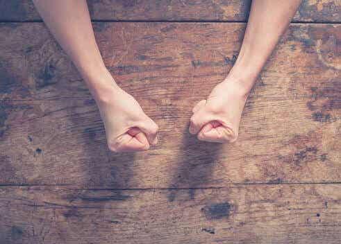 Kontrollera din ilska innan den kontrollerar dig