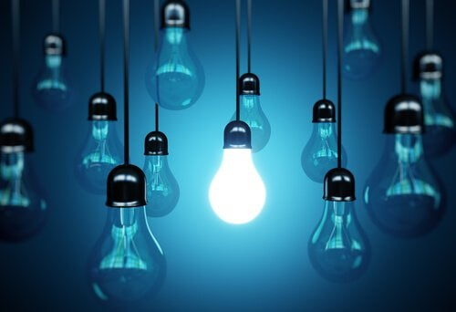 Ensamt lysande glödlampa