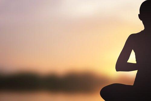 Meditation i soluppgång