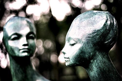 Statyer av kvinnor