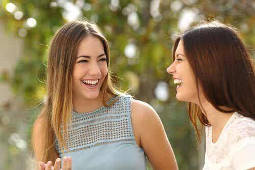 3 kroppsspråk som kommunicerar vänlighet