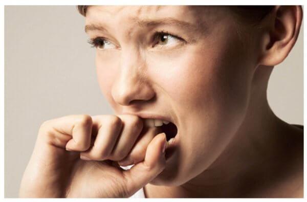 Kvinna med abstinensbesvär