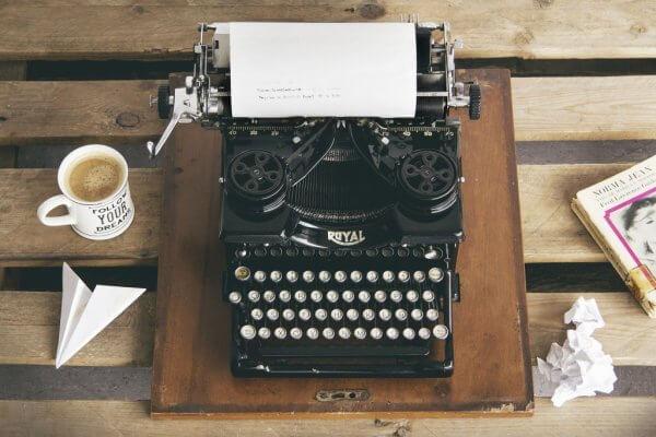 I livet skrivs, raderas och omskrivs saker