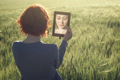 Reflektion i spegel
