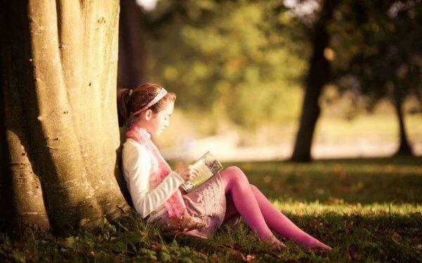Barn lär sig att älska läsning från föräldrarna