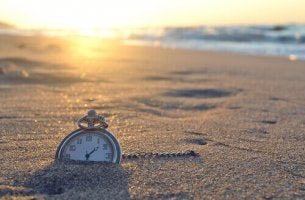 Klocka i sanden