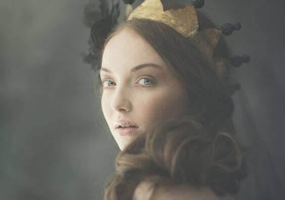 Kvinna med krona