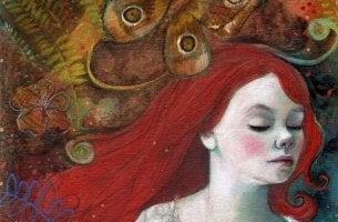 Rödhårig kvinna
