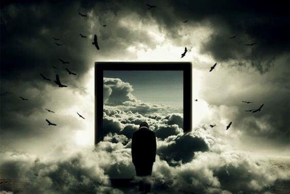Dörröppning bland molnen