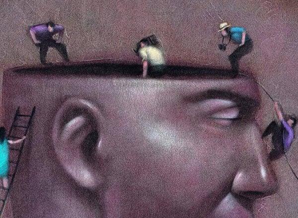 Sanningen triumferar på egen hand, lögnen behöver hjälp