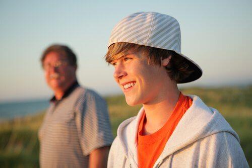 Tonåring med pappa
