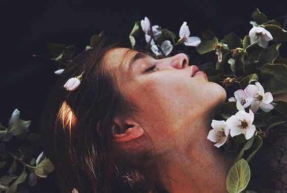 Utöva egenkärlek för att vara lycklig