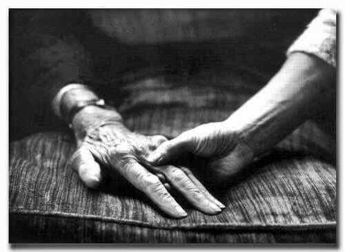 Det våra mor- och farföräldrar behöver är kärlek och tålamod
