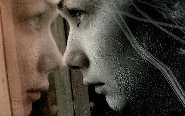 Kvinnas spegelbild