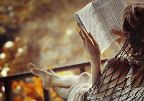 Det vår hjärna skapar då vi läser