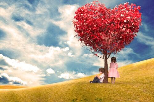 Barn under hjärtträd