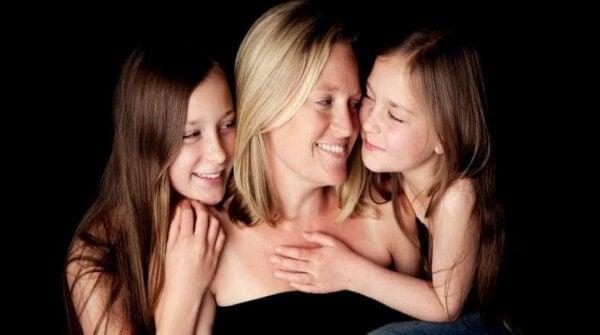 Döttrar med mamma