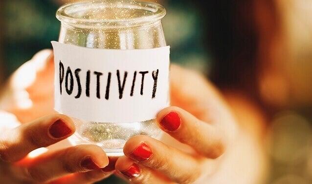 Anamma positivitet