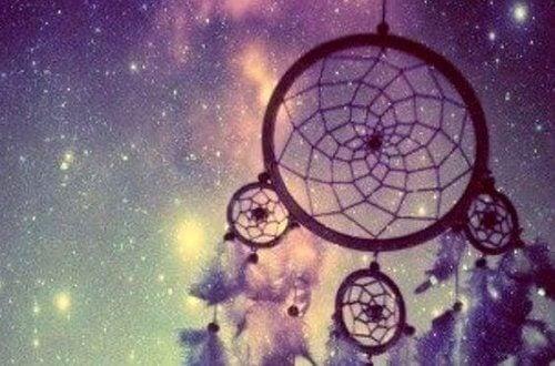Drömfångare framför himmel