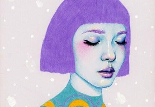 Kvinna med lila hår