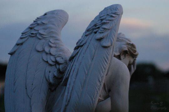 Staty av ängel