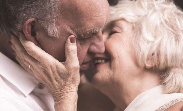De kyssar som vi ger varandra är som tysta ord