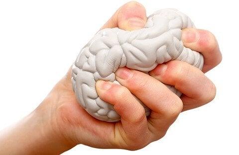 Stressboll formad som hjärna