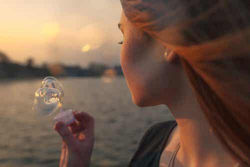 Att sakna någon betyder inte att du vill ha tillbaka denne