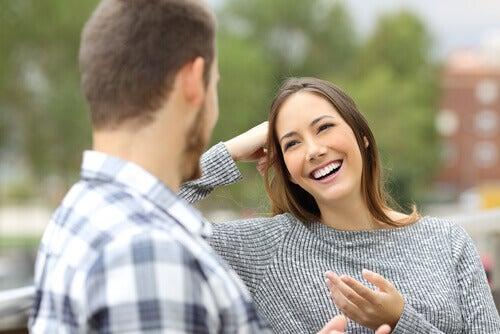 Hur man handskas med den person du gillar dating någon annan