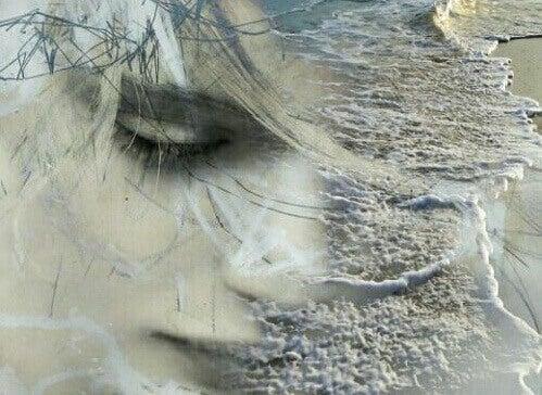 Kvinna och strand