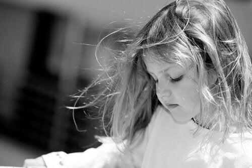 Skrik skadar barnets hjärna på alarmerande sätt
